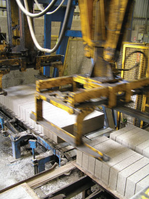 Gryphonn Concrete Block Grabber
